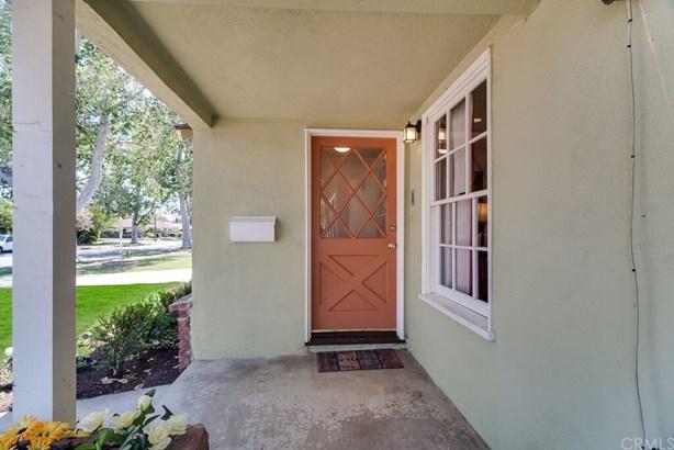 Custom Built,Ranch,Traditional, Single Family Residence - Santa Ana, CA (photo 3)