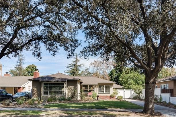 Single Family Residence, Custom Built,Traditional - Santa Ana, CA (photo 1)