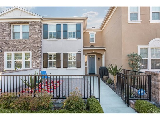 Townhouse, Colonial - Tustin, CA (photo 2)