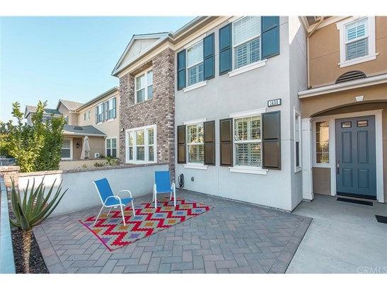 Townhouse, Colonial - Tustin, CA (photo 4)