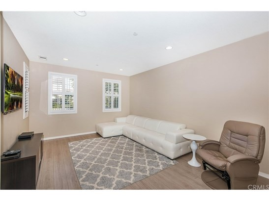 Townhouse, Colonial - Tustin, CA (photo 5)
