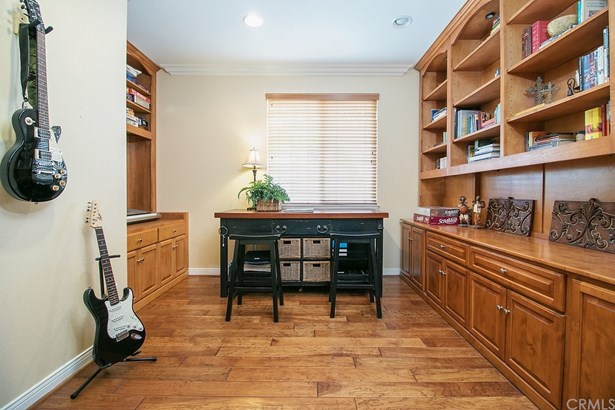 Single Family Residence, Contemporary - Orange, CA (photo 5)