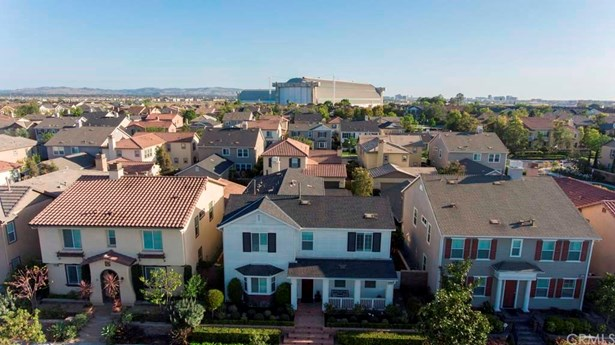 Single Family Residence, Colonial - Tustin, CA (photo 3)