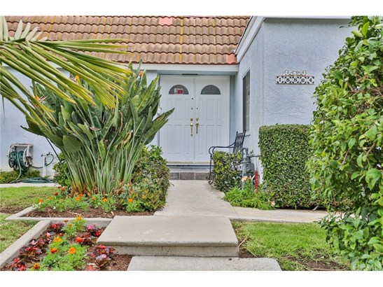 Single Family Residence, Contemporary - Fountain Valley, CA (photo 3)