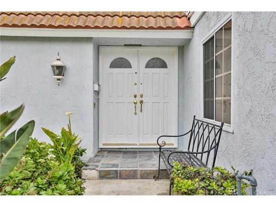 Single Family Residence, Contemporary - Fountain Valley, CA (photo 4)