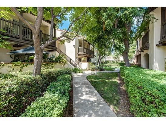 Condominium, Contemporary - Orange, CA (photo 2)