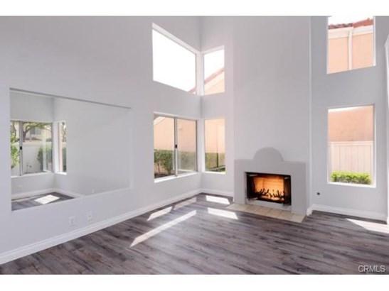 Mediterranean, Single Family Residence - Irvine, CA (photo 2)