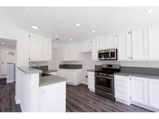 Mediterranean, Single Family Residence - Irvine, CA (photo 4)