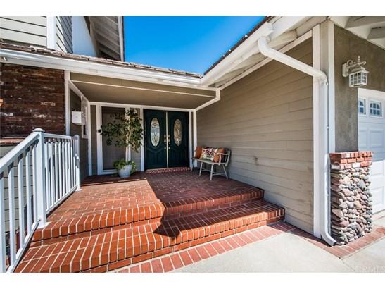 Single Family Residence, Contemporary - Corona, CA (photo 4)