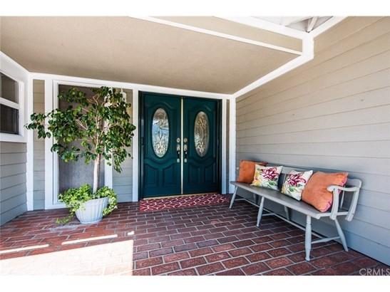 Single Family Residence, Contemporary - Corona, CA (photo 5)