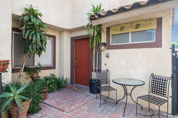 Single Family Residence - Colton, CA (photo 1)