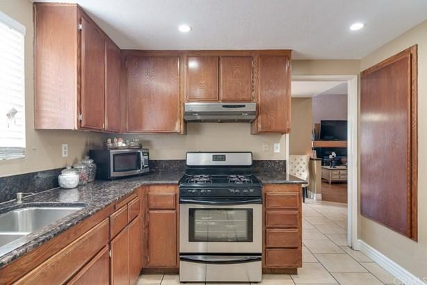 Single Family Residence - Colton, CA (photo 2)