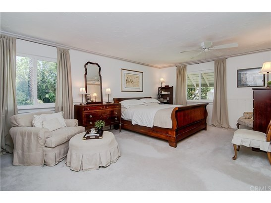 Colonial,Traditional, Single Family Residence - Mission Viejo, CA (photo 5)