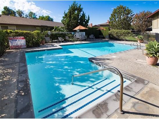 Condominium, Traditional - Santa Ana, CA (photo 5)