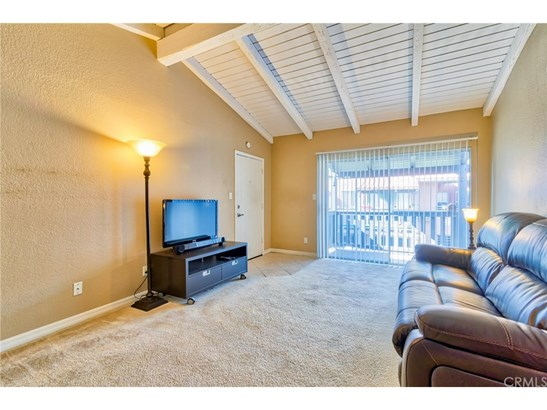 Condominium - Santa Ana, CA (photo 4)
