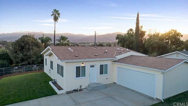 Single Family Residence, Cottage - Corona, CA (photo 2)