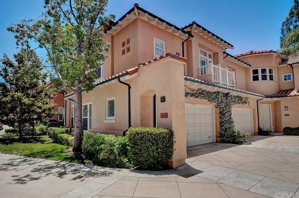 Condominium - Tustin, CA (photo 1)