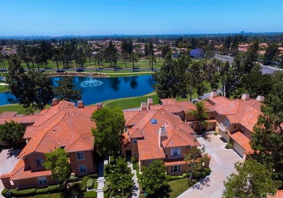 Condominium - Tustin, CA (photo 2)