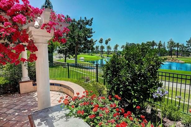 Condominium - Tustin, CA (photo 5)