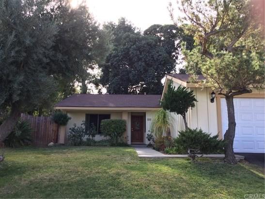 Single Family Residence, Traditional - Corona, CA (photo 2)
