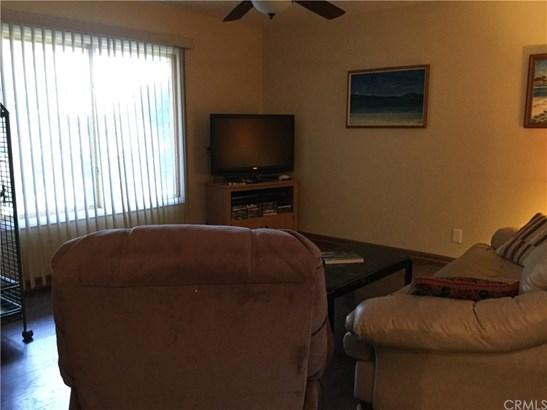 Single Family Residence, Traditional - Corona, CA (photo 4)