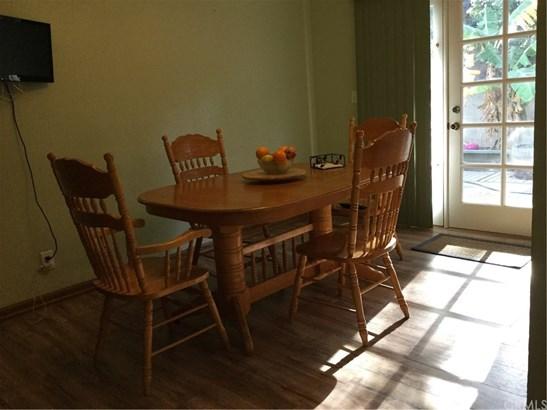 Single Family Residence, Traditional - Corona, CA (photo 5)