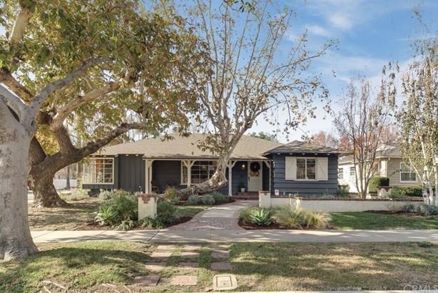 Single Family Residence, Custom Built,Ranch - Santa Ana, CA (photo 1)