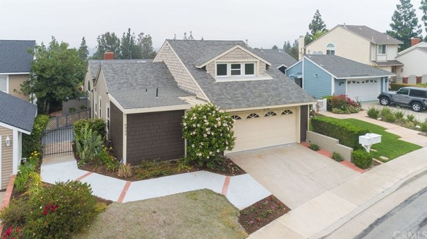 Single Family Residence, Traditional - Anaheim Hills, CA