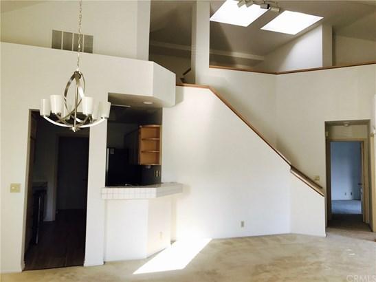 Condominium, Spanish - Irvine, CA (photo 5)
