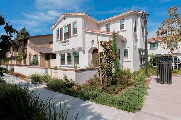 Single Family Residence, Contemporary - Tustin, CA (photo 1)
