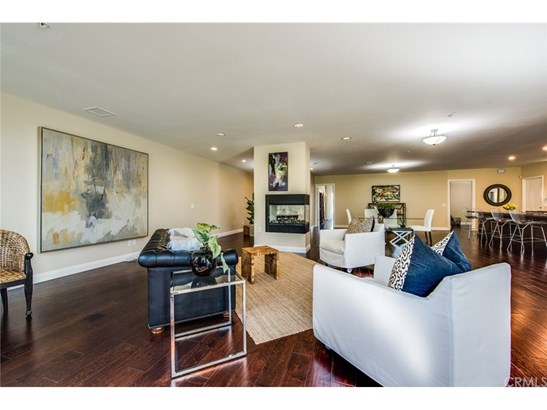 Commercial/Residential - Tustin, CA (photo 4)