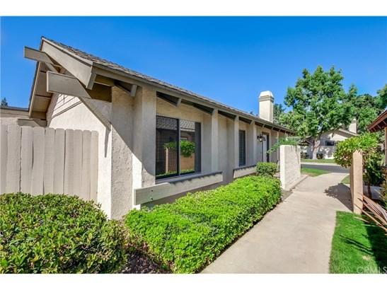 Condominium, Contemporary - Laguna Hills, CA (photo 2)