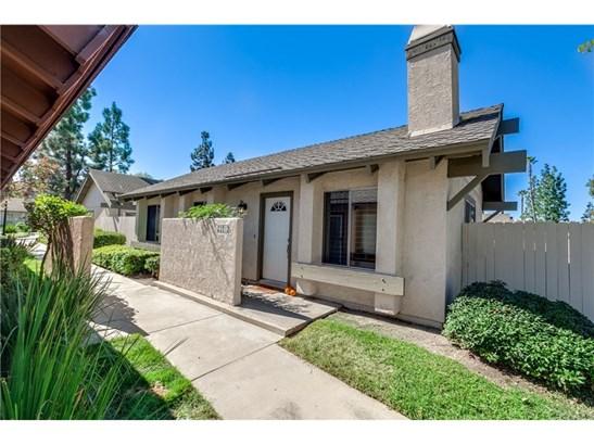 Condominium, Contemporary - Laguna Hills, CA (photo 3)