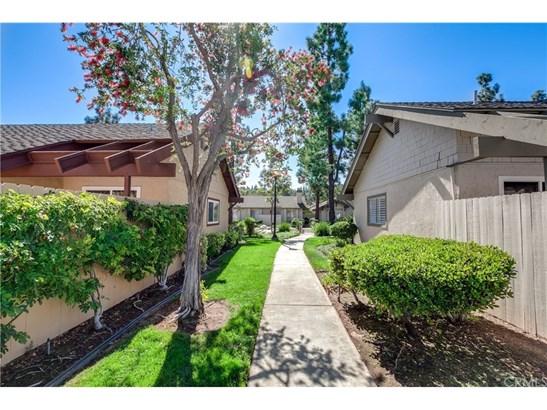 Condominium, Contemporary - Laguna Hills, CA (photo 4)