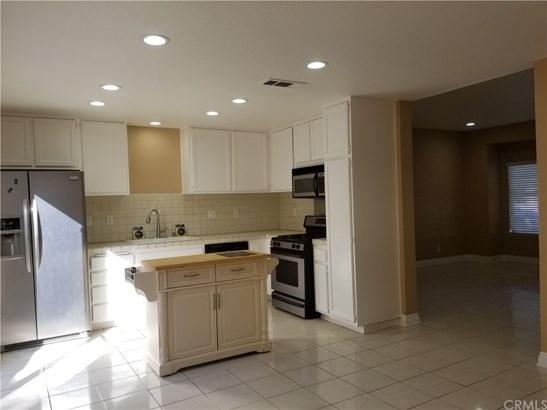 Condominium, Traditional - Irvine, CA (photo 3)