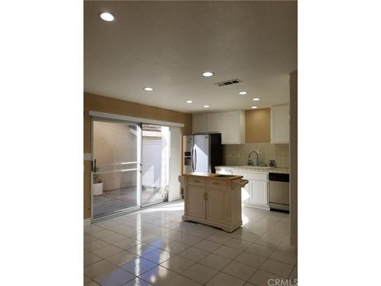 Condominium, Traditional - Irvine, CA (photo 5)