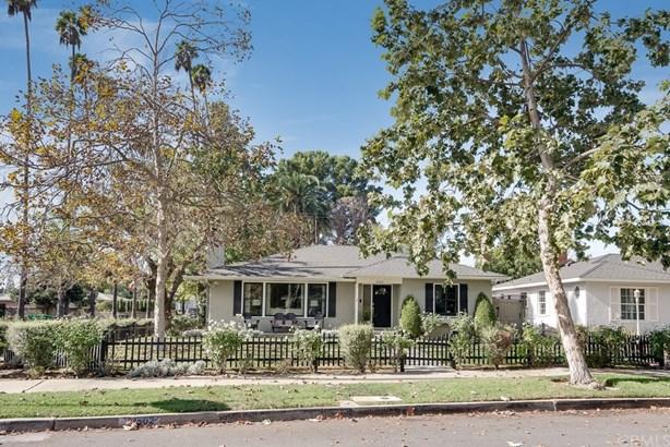 Single Family Residence - Custom Built,Mid Century Modern,Traditional (photo 1)