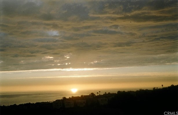Single Family Residence - San Clemente, CA