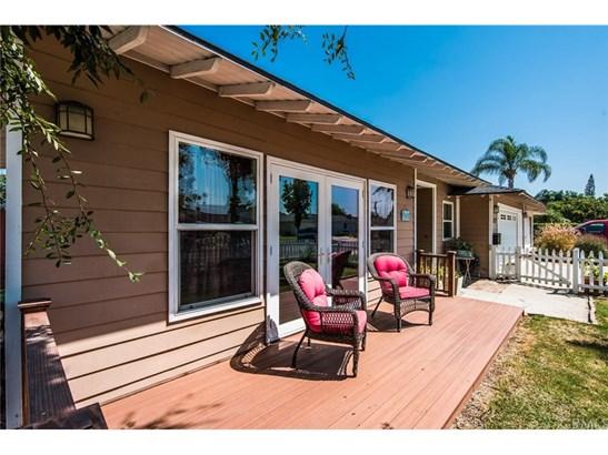 Single Family Residence, Traditional - Orange, CA (photo 3)