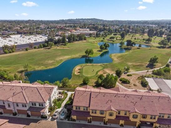 Condominium, Spanish - Brea, CA