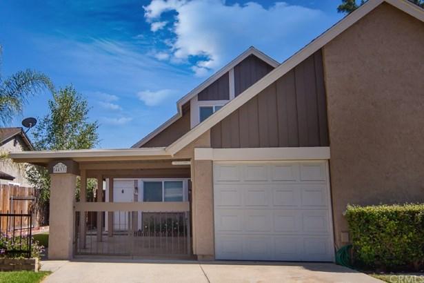 Traditional, Duplex - Chino, CA (photo 3)