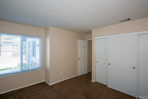 Traditional, Duplex - Chino, CA (photo 5)