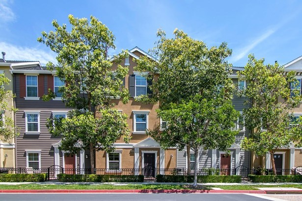Townhouse, Colonial - Tustin, CA (photo 1)