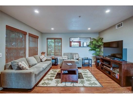 Condominium, Spanish - Tustin, CA (photo 1)