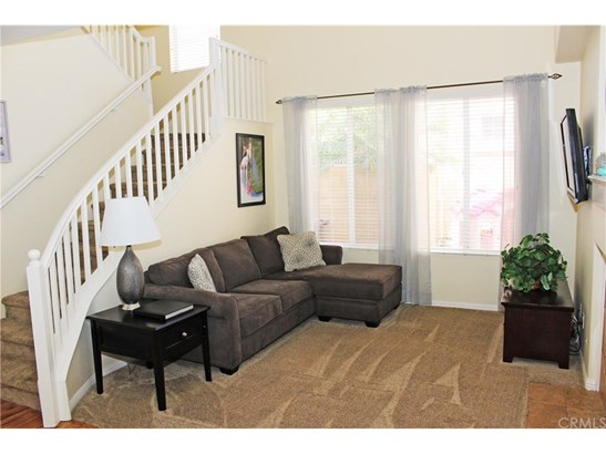 Condominium, Contemporary - Placentia, CA (photo 4)