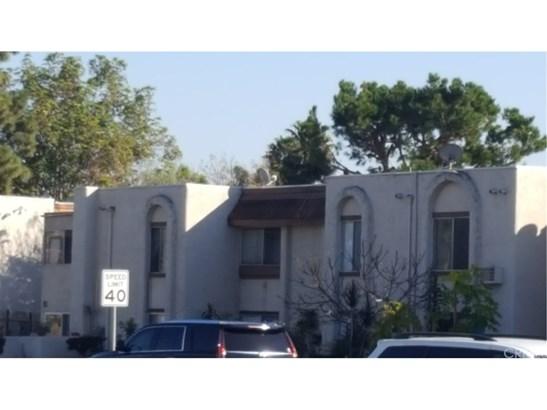 Condominium, Contemporary - Placentia, CA (photo 2)