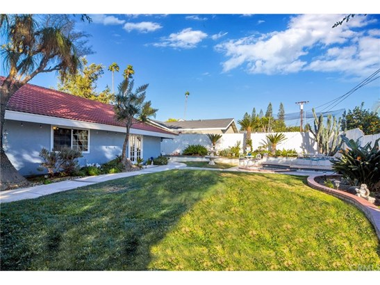 Single Family Residence, Ranch - Orange, CA (photo 2)
