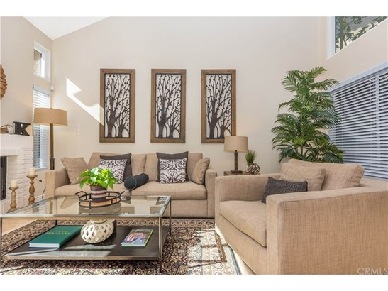 Single Family Residence, Spanish - Tustin, CA (photo 3)