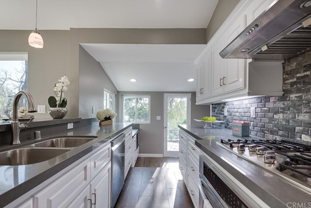Single Family Residence, Modern - Walnut, CA (photo 4)