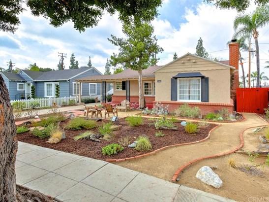 Single Family Residence, Bungalow - Santa Ana, CA (photo 1)